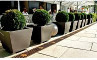 Modern Garden Planters  14 Decor Ideas