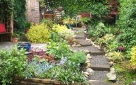 Small Gardens  31 Design Ideas