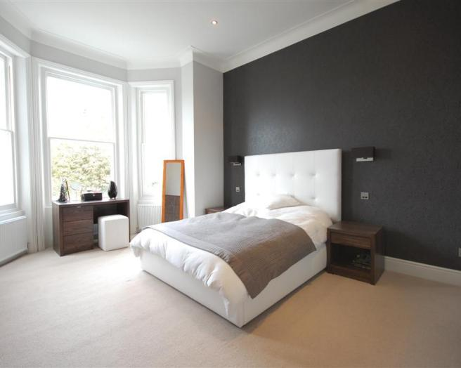 Bedroom wallpaper feature wall 12 design ideas for Black and grey bedroom wallpaper
