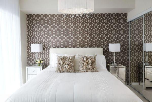 Bedroom wallpaper feature wall 24 decoration inspiration for Feature wallpaper bedroom ideas