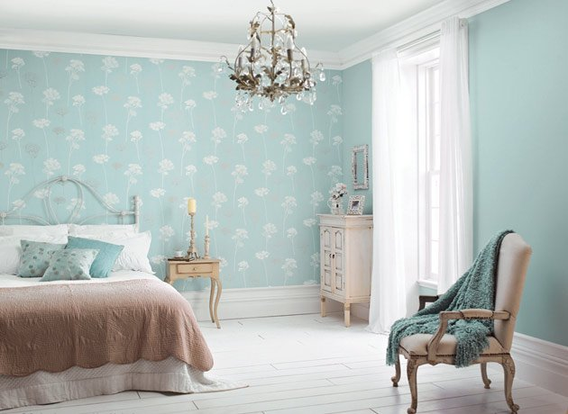 Bedroom wallpaper feature wall 3 decor ideas for Feature wallpaper bedroom ideas
