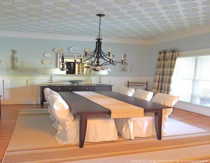 Dining room wallpaper dining room in gold wallpaper from for Best wallpapers for dining rooms