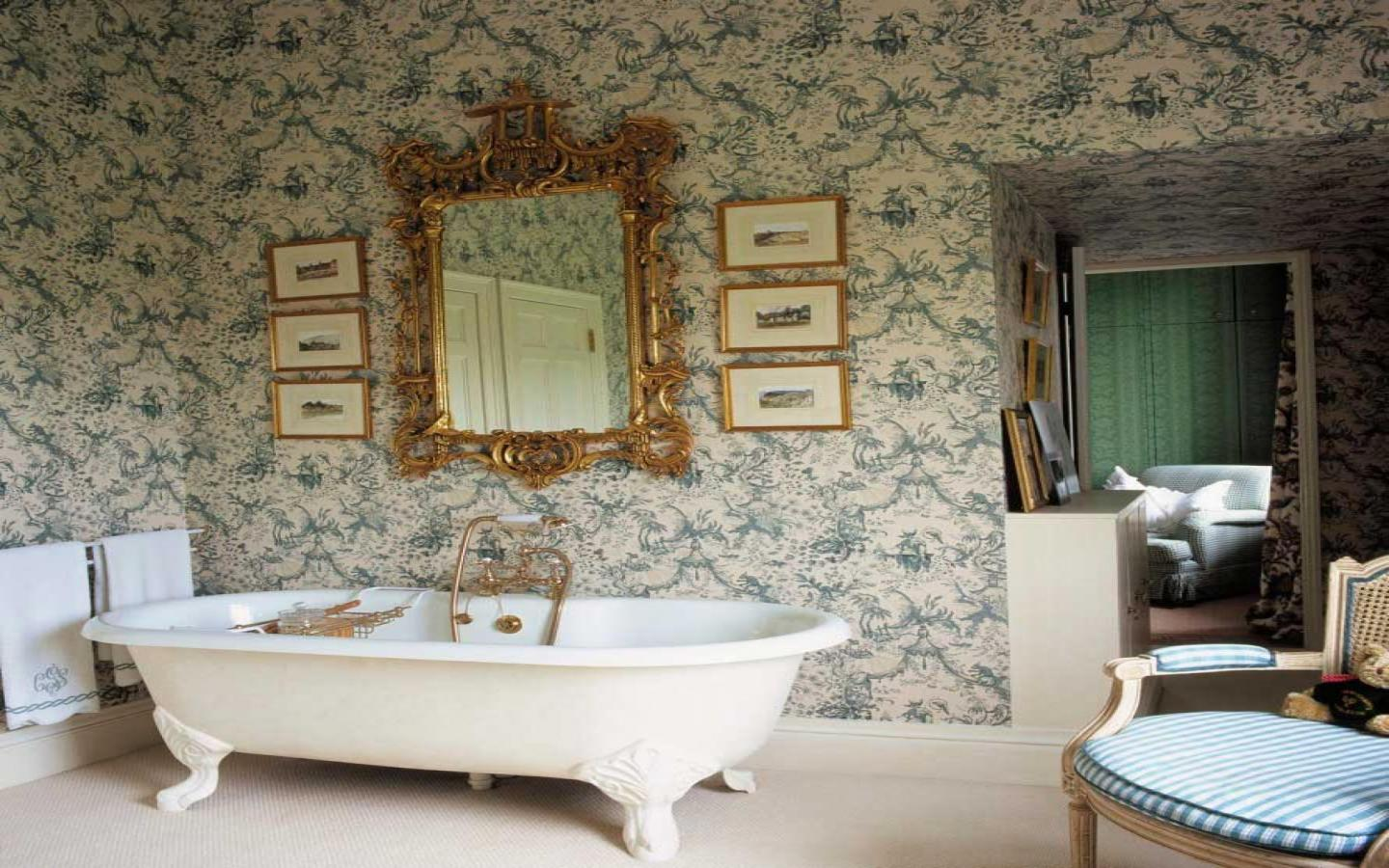 Edwardian bathroom wallpaper 22 design ideas for Bathroom ideas edwardian