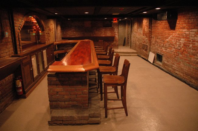 Cool basement bars 1 inspiration for Cool bar pictures