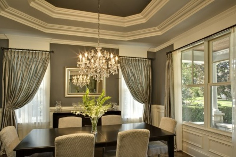 Dining Room Elegant Design With Round Glass