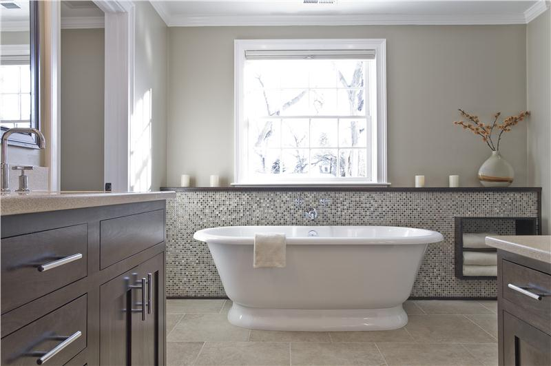 Classic bathrooms 3 renovation ideas for Bathroom designs classic