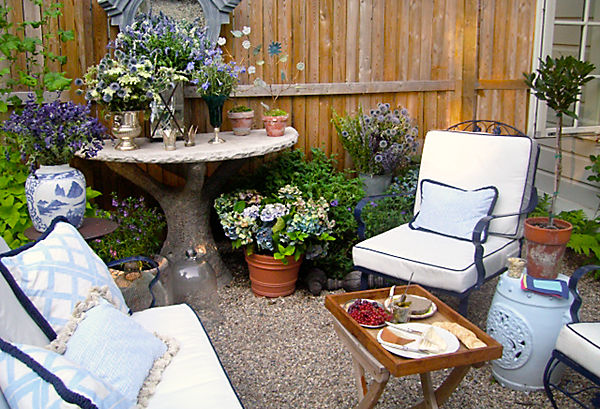 Garden ideas for small areas 16 architecture - Gardens in small spaces property ...