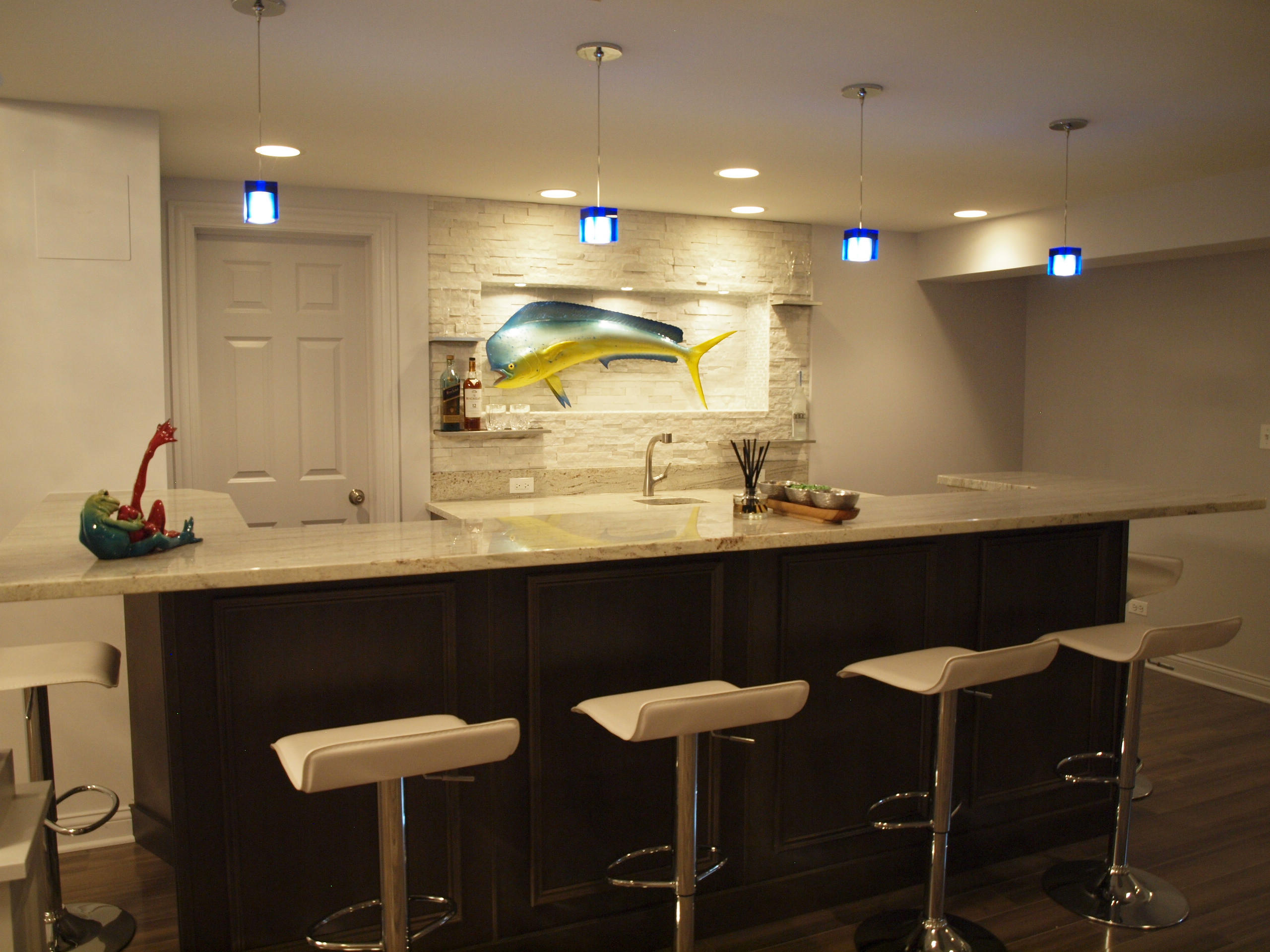 Modern basement bar ideas 14 decor ideas - Stylish home bar ideas ...