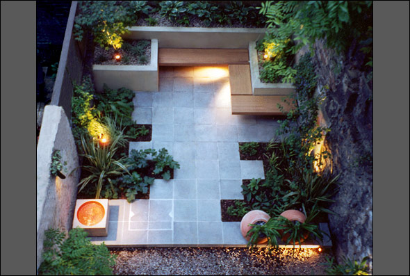Modern garden designs for small gardens 8 home ideas for Small modern house garden design