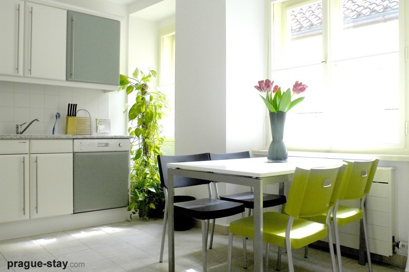 Modern Kitchen Tables 8 Design Ideas - EnhancedHomes.org