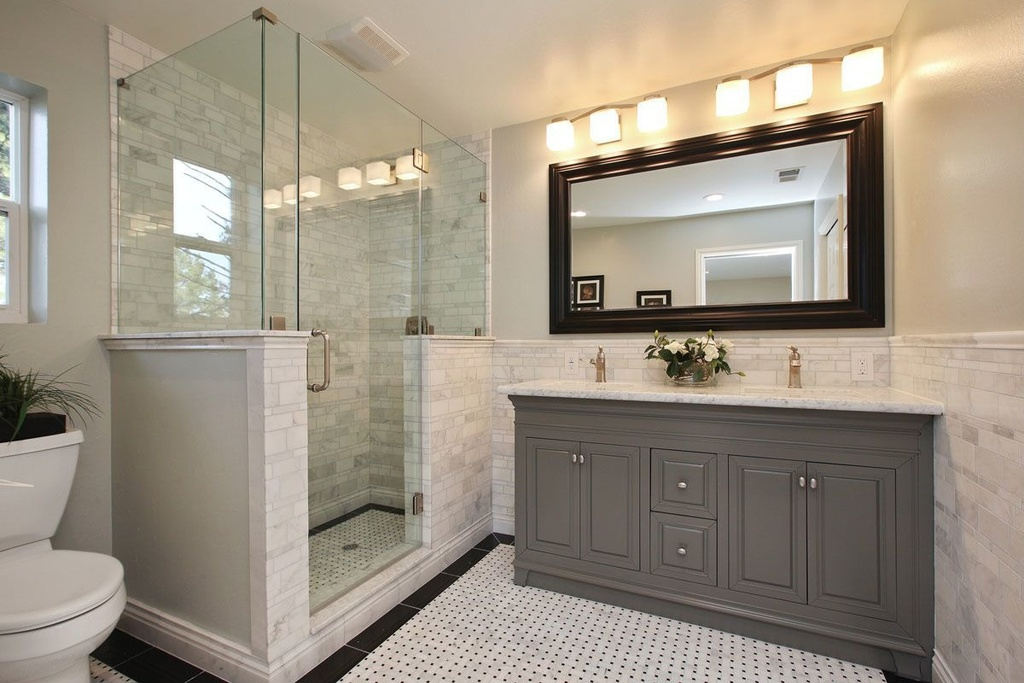 Traditional bathroom ideas 14 designs enhancedhomesorg for Pictures of traditional bathrooms