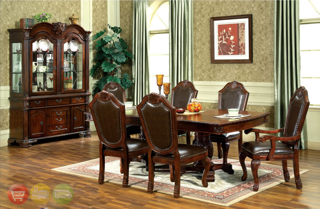 Traditional dining room tables 2 decor ideas for Traditional dining room decorating photos