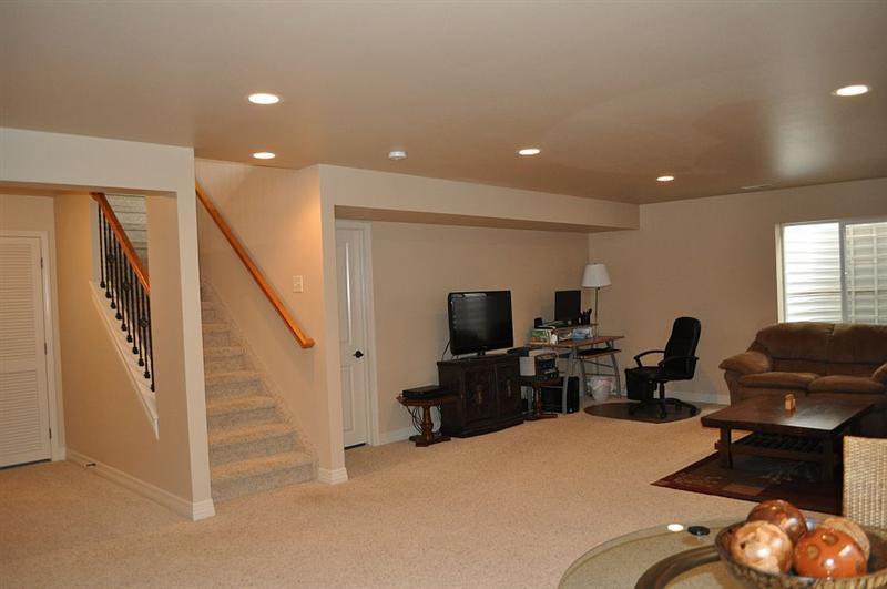 Basement room 84 inspiring design for Convert basement to master bedroom