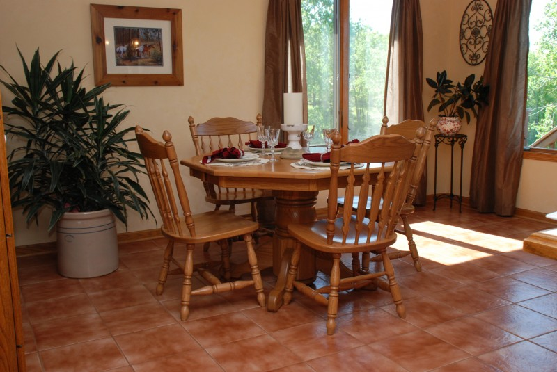 American furniture dining tables american table solid for Dining room tables american furniture warehouse