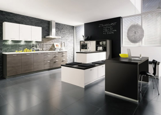 Modern kitchen black and white 19 inspiration for Kitchen colors with white cabinets with modern black and white wall art