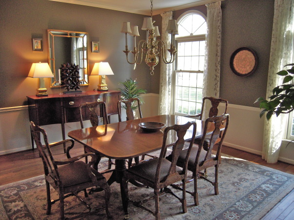 Dining room decorating ideas traditional home design for Traditional dining room art