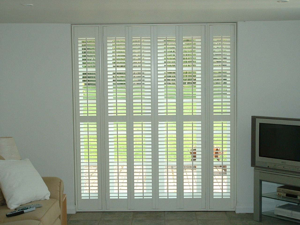 Wonderful Traditional Interior Shutters Re Decorating Ideas