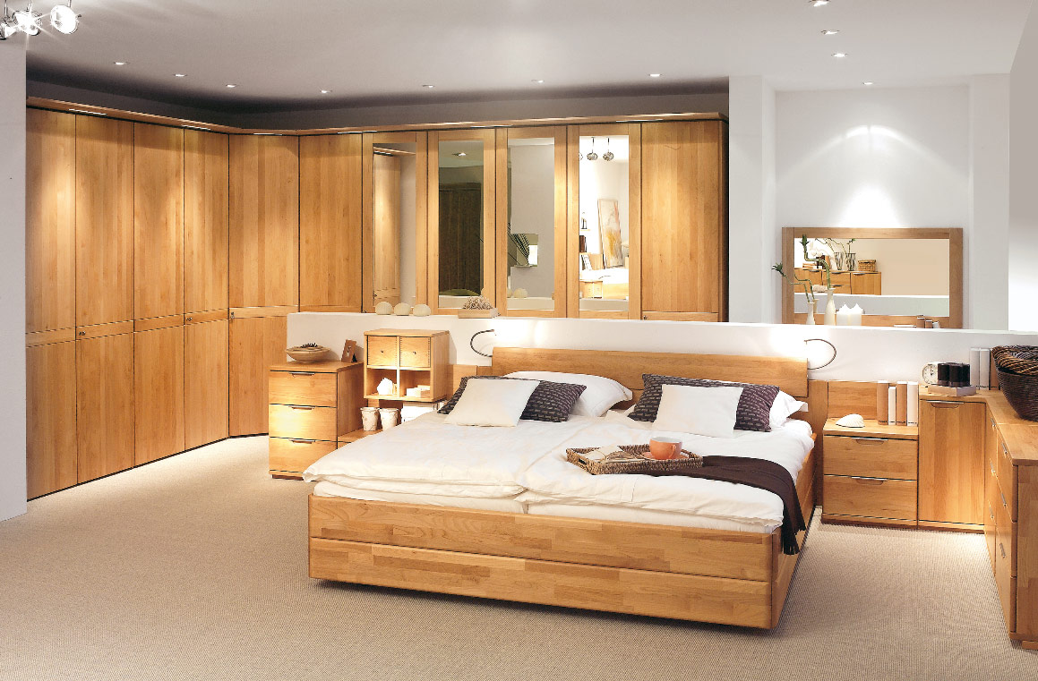 Big bedroom pictures 6 design ideas for Large bedroom decorating ideas