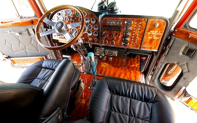 Big rig interior accessories 33 inspiration - Peterbilt 379 interior accessories ...