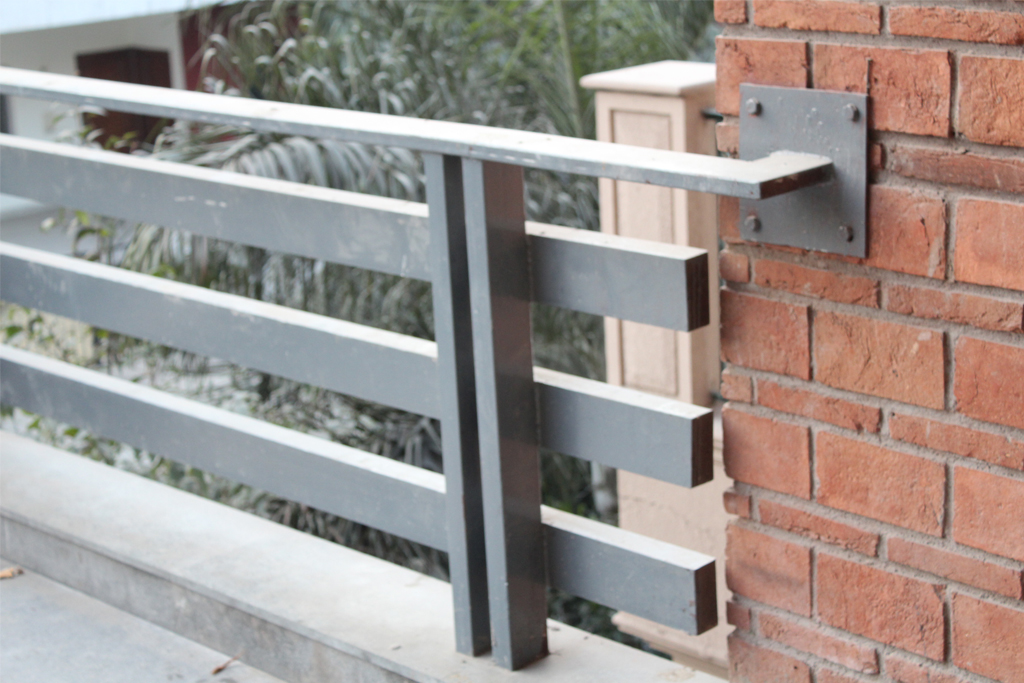 Modern House Railing Design