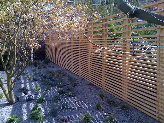 modern garden trellis 15 home ideas On contemporary garden trellis designs