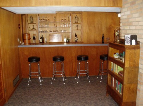 Small basement bar ideas 4 decoration inspiration for Small basement bar ideas