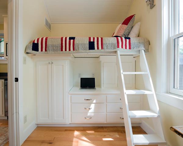 Small Bedroom Big Bed Decorating Ideas