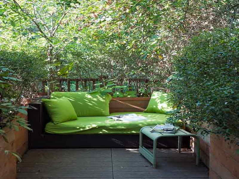 Small garden designs 6 renovation ideas for Garden renovation ideas