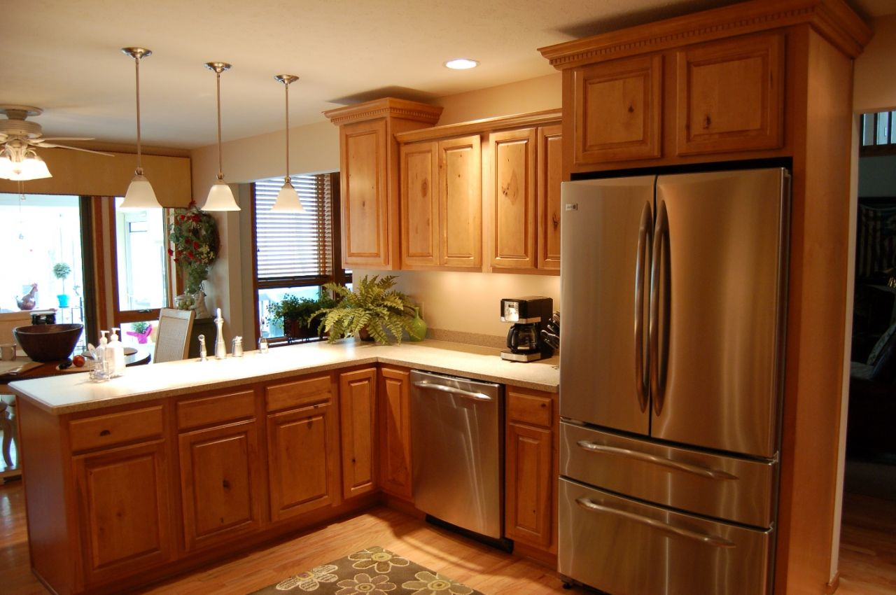 Kitchen remodel ideas pictures kitchen remodel designs for Small kitchen redesign