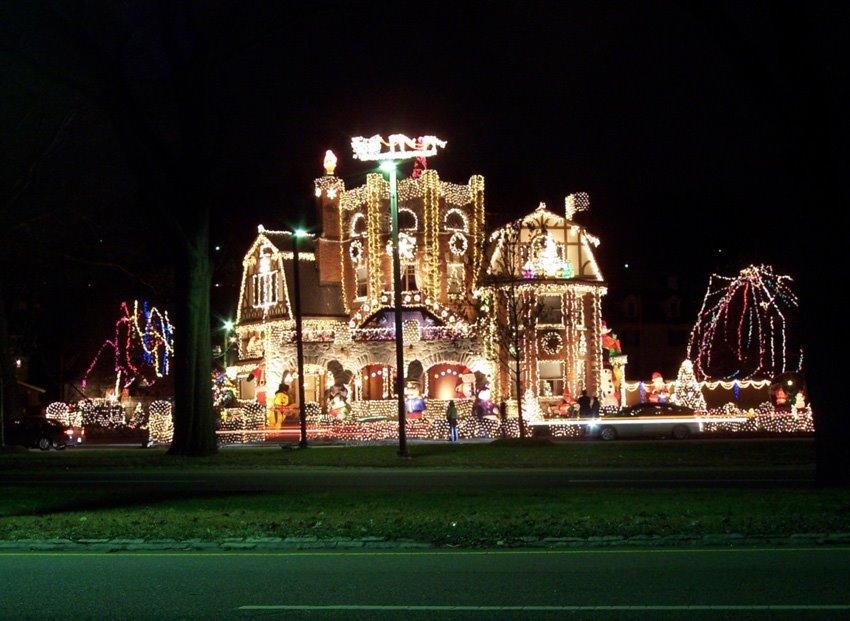 Big Exterior Christmas Lights 16 Ideas Enhancedhomes Org